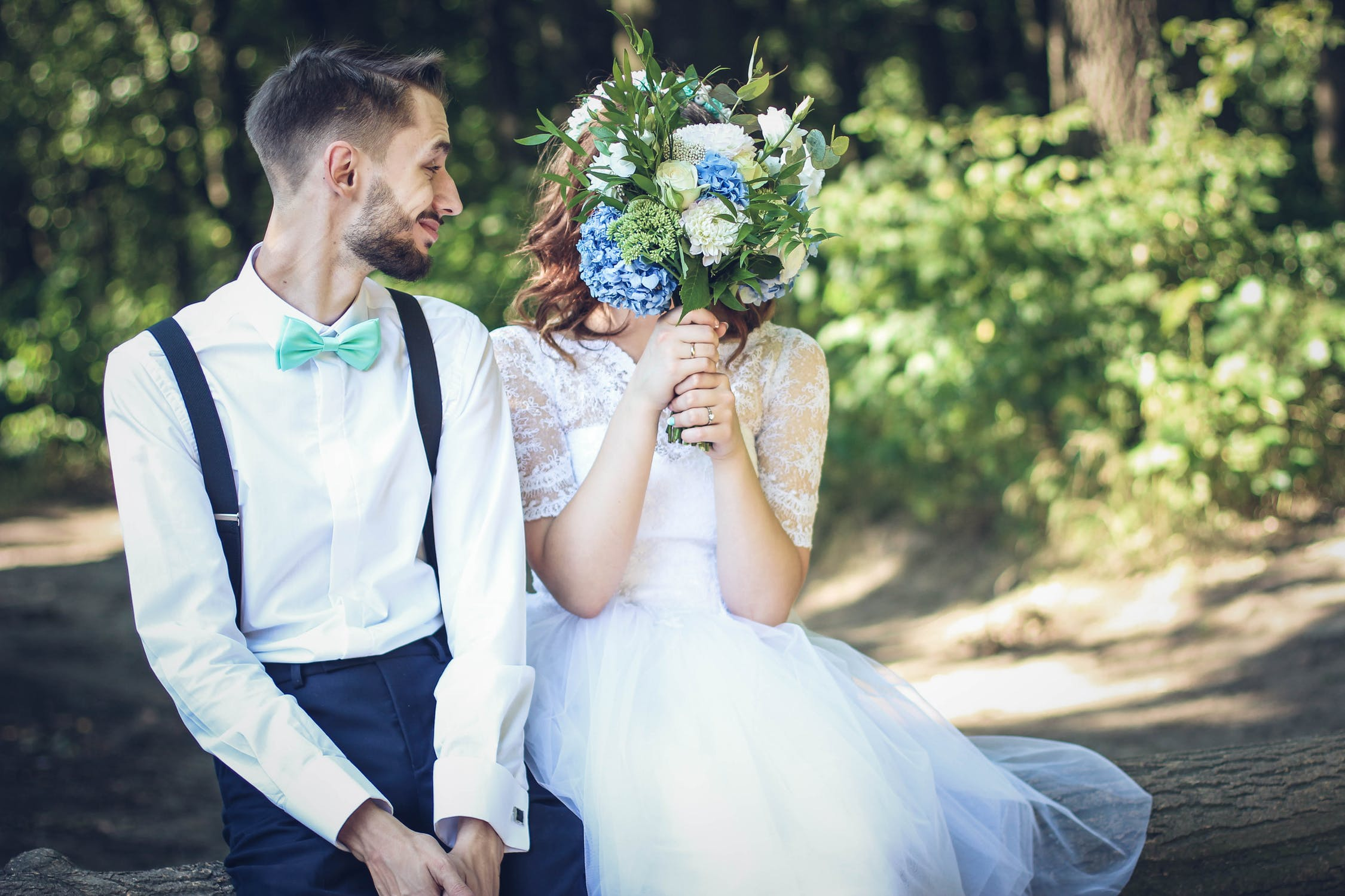 How to Have a Wedding on a Budget