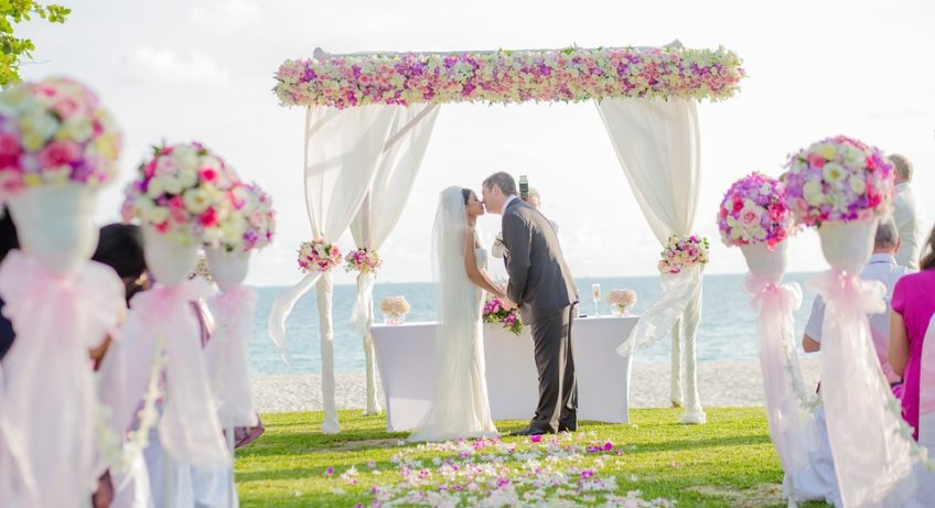 Destination Weddings: Keep In Mind This Outline To Make Your Dreams Wedding