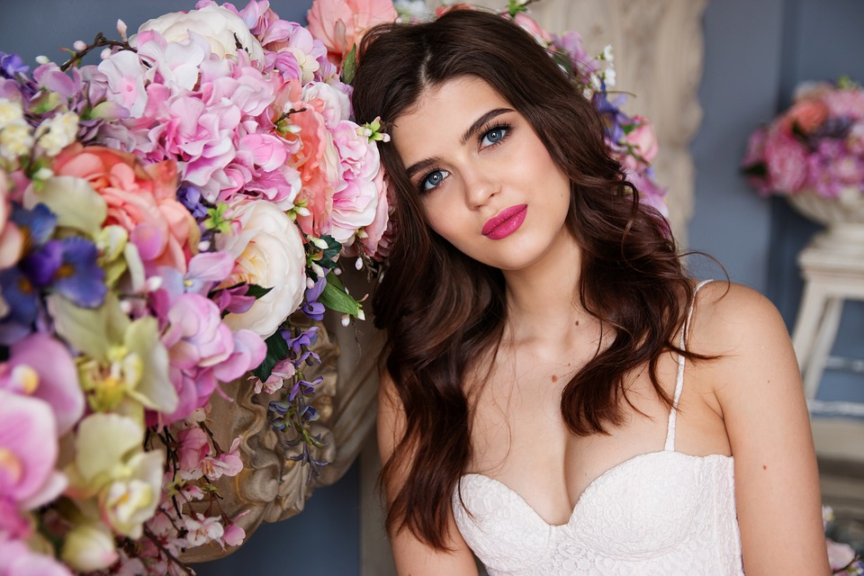 Why airbrush makeup is best for the new-age bride?