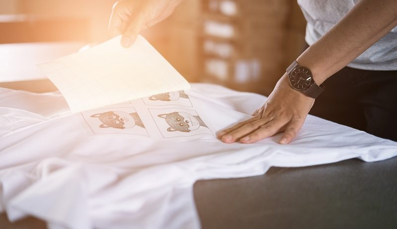 How Does Screen Printing Simplify T-Shirt Printing?
