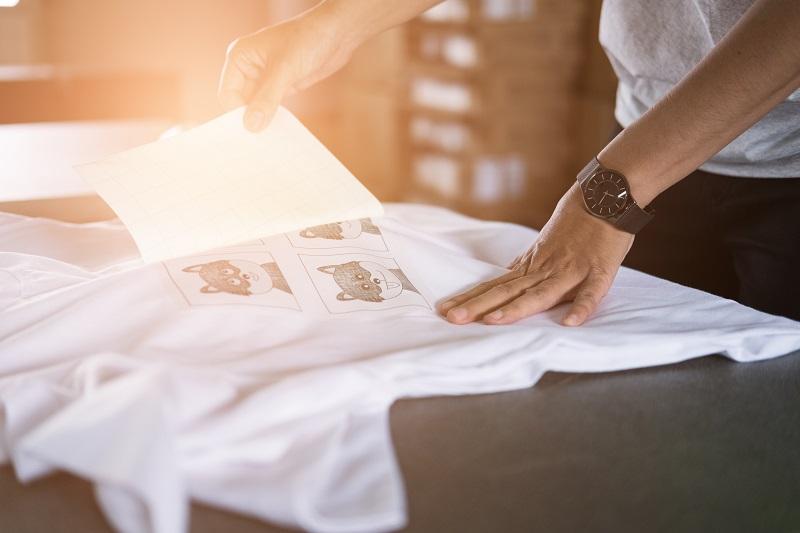How Does Screen Printing Simplify T-Shirt Printing?