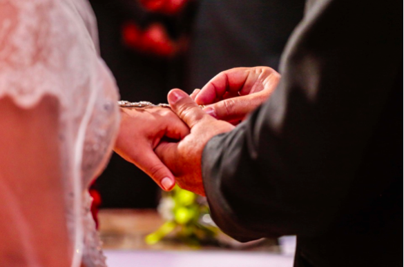 How Can Married Couples Manage All Their Finances