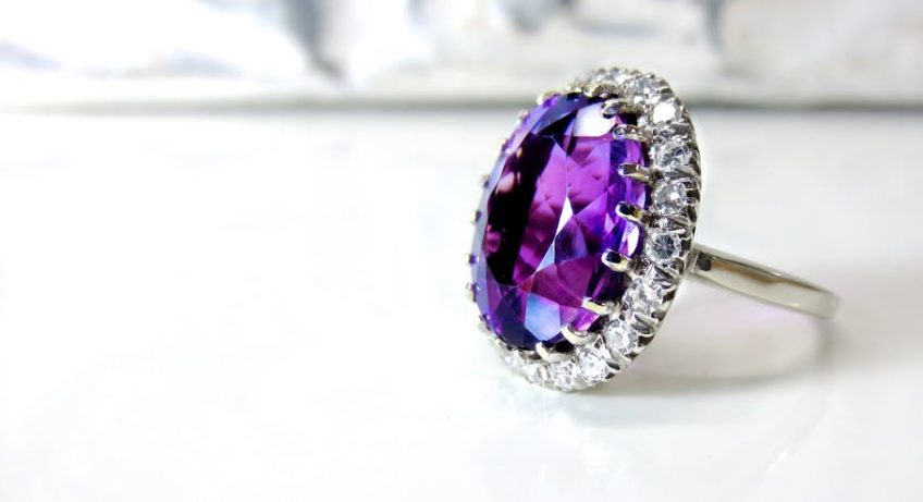 17 Breathtaking Colorful Engagement Rings for Wowing Your Fiance