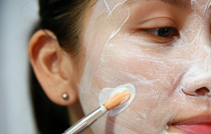 How to manage oily skin?